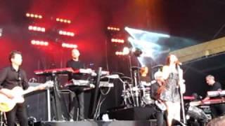 Anggun and Schiller 'Blind'