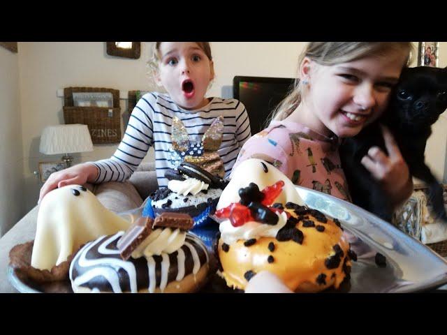 Sjove kager 👻🍩CREEPY Julesæbe som spiller af sig selv 😂😬🤶🎅