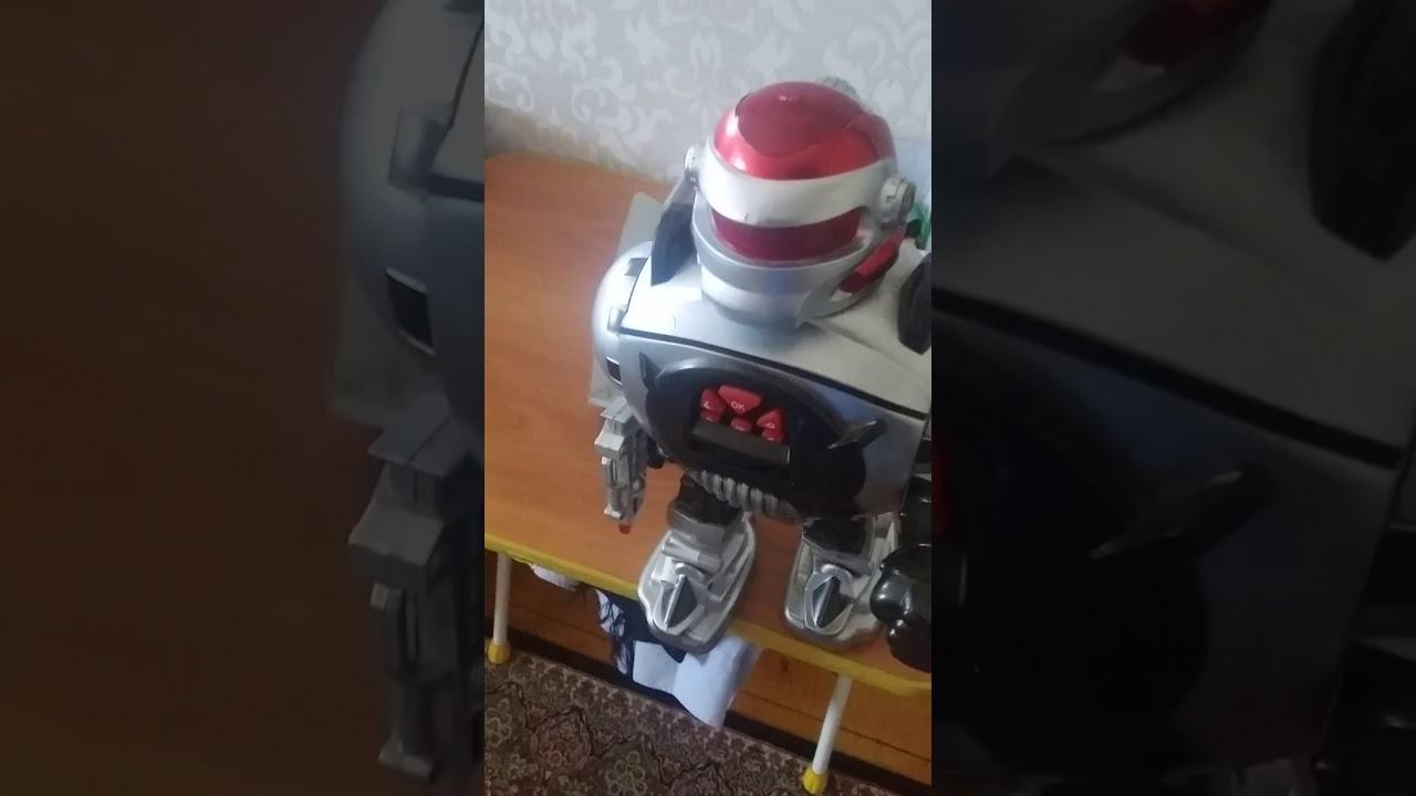 Алекс и Стив 2 серия называется Стив и робот