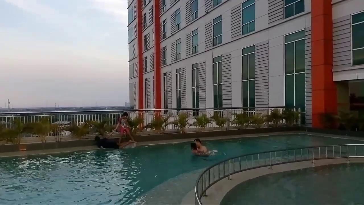 Kolam Renang Harris Hotel Sumarecon Bekasi Youtube