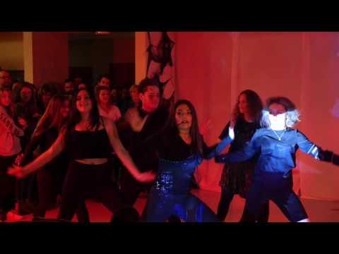 "Forman School Performs ""Thriller!"""