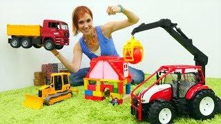 Машинки строят дом. Играем в стройку с Машей Капуки