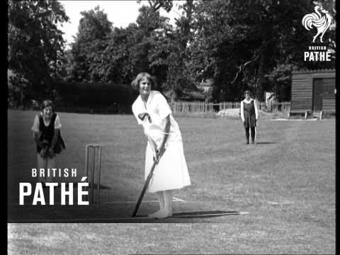Eve Cricketer - Filmed At Cobham, Surrey (1933)