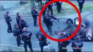 Polizeigewalt in Kassel (20.7.19): Polizist spritzt Pfefferspray auf passive Sitzblockade