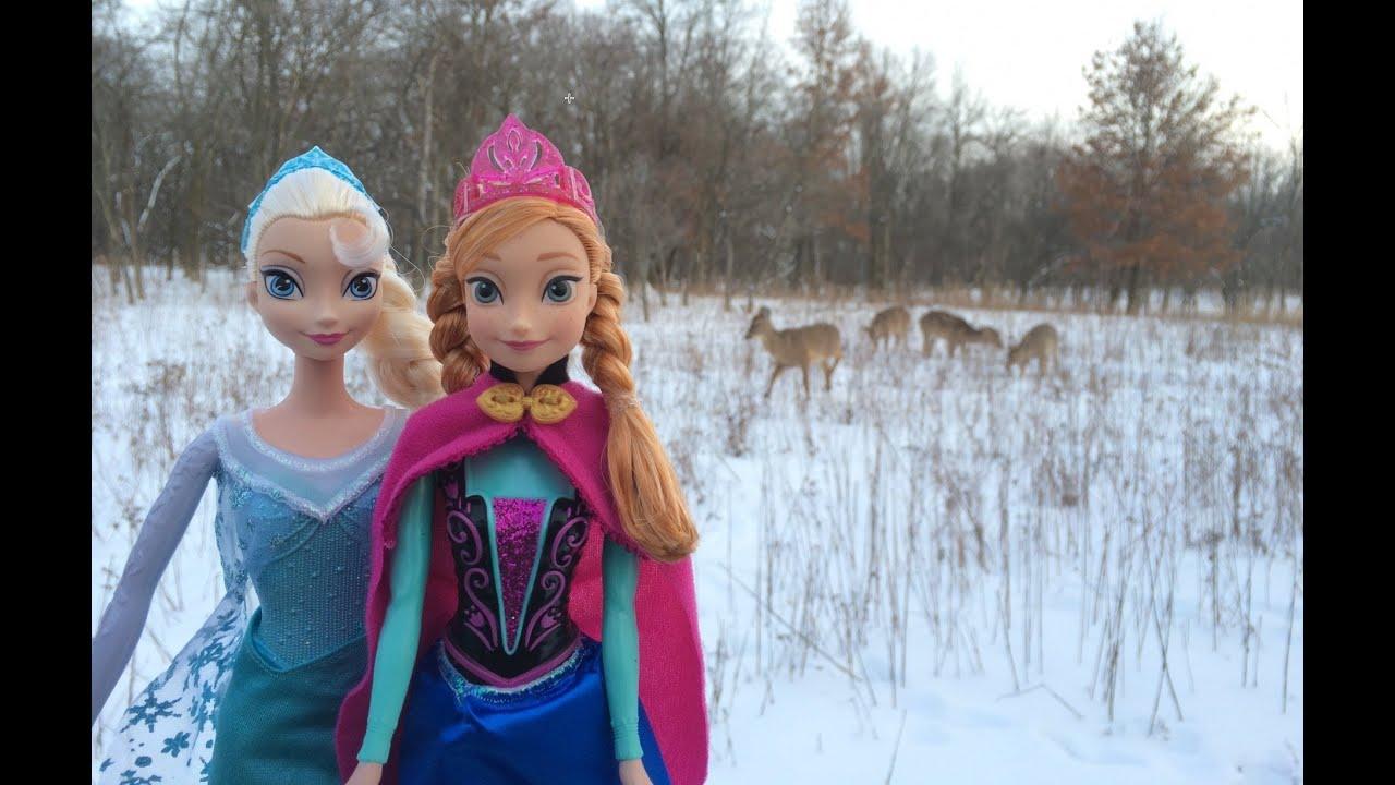 Disney Frozen Queen Elsa swinging Elsa Princess Anna in