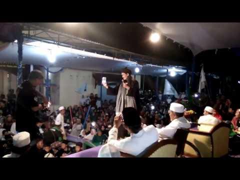 Abah ali MAFIA SHALAWAT pemalang jawa tengah membawakan fatwa mealui lagu jadilah legenda