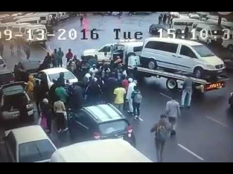 Durban CBD 'hijackers' beaten to pulp as citizens fight back