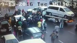 Durban CBD 'hijackers' beaten to pulp as citizens fight back