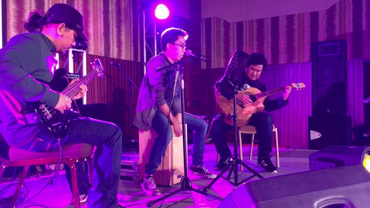 Tripod Band