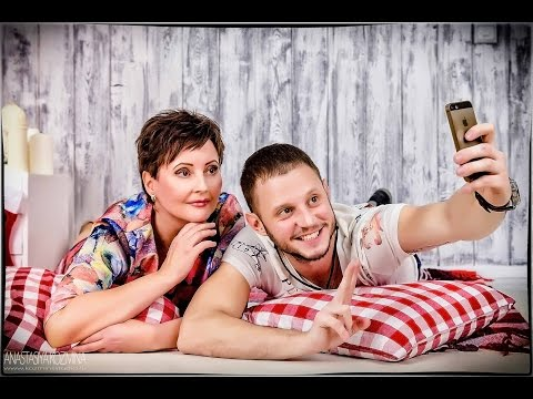 Фотосессия мамы и взрослого сына