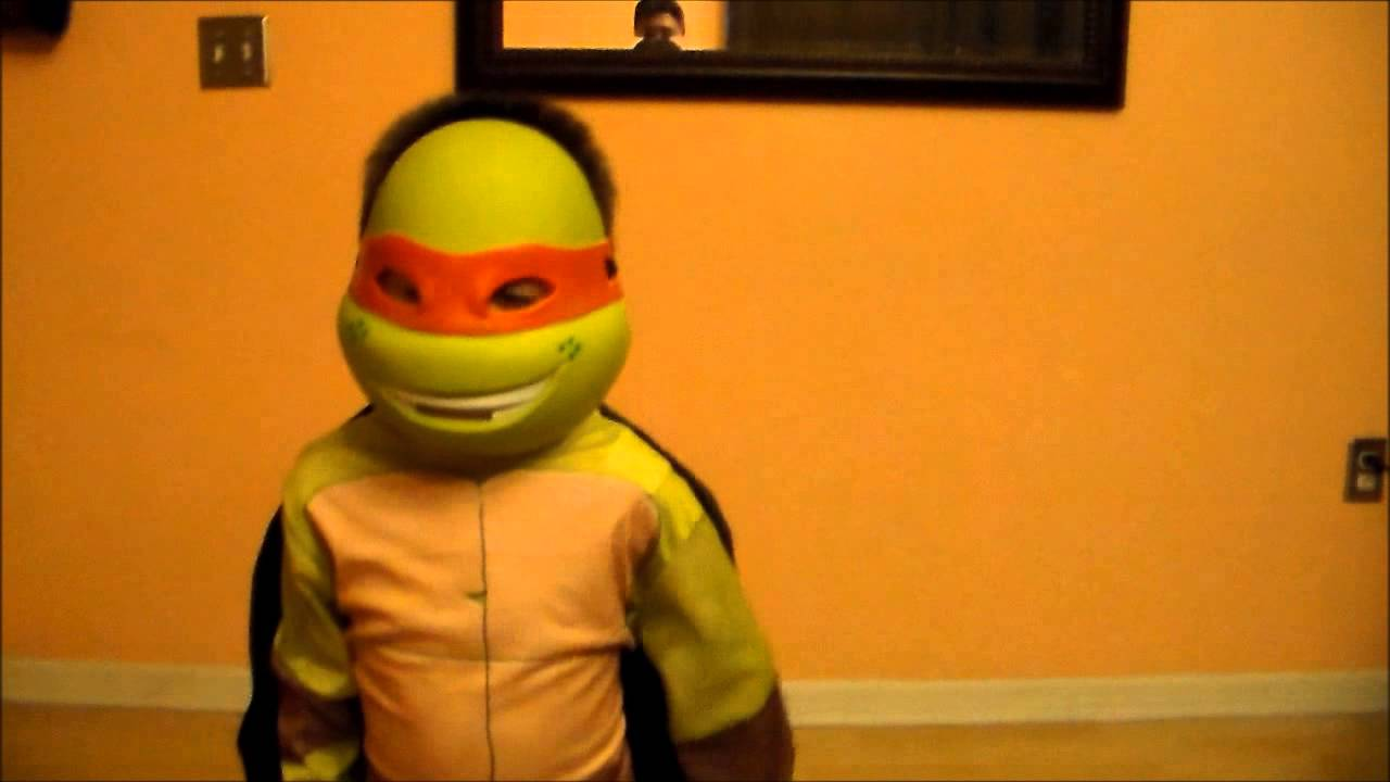 TMNT Michelangelo Ninja Turtle Costume kid Review & TMNT Michelangelo Ninja Turtle Costume kid Review - YouTube
