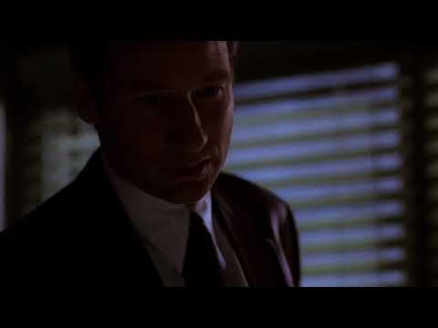 Mulder & Scully secret handshake scene (6x09)