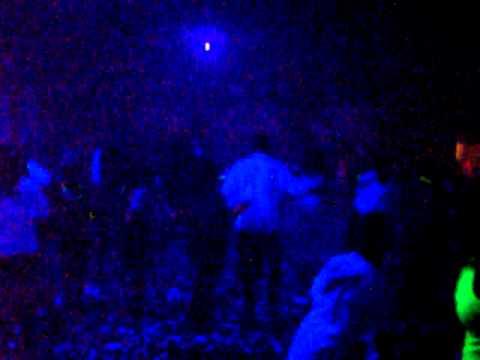 Resultado de imagem para bailes com luz negra