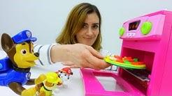 Spaß mit Paw Patrol. Pizza aus Play Doh. Video mit tollen Spielzeugen.