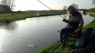 EASY FISHING Waggler On The Canal