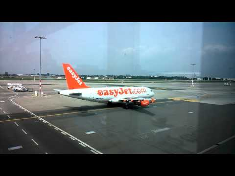 Easy Jet passing in front of the gate at the Prague airport