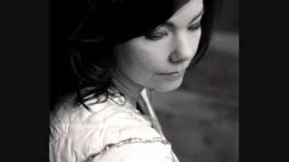 Björk - Harm of Will (backwards/reversed)