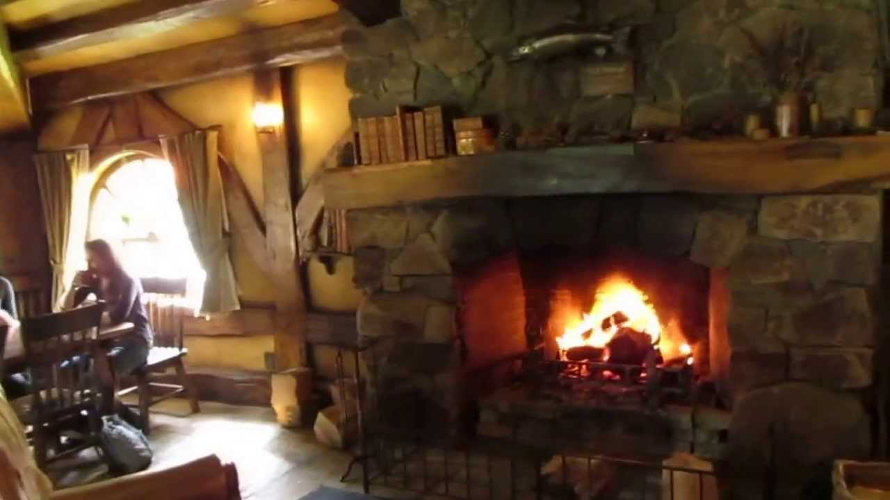 Inside The Green Dragon in the Shire - Hobbiton - YouTube