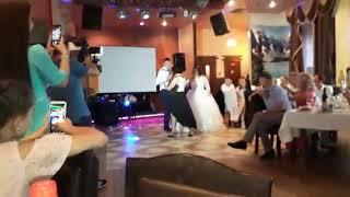 Тальян на свадьбе.