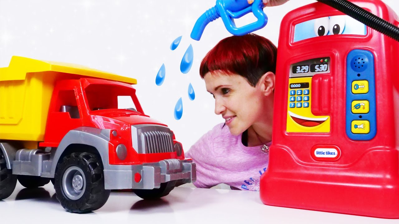 Про машинки - Мультик с машинками и Машей Капуки. Игры для детей в песочницу