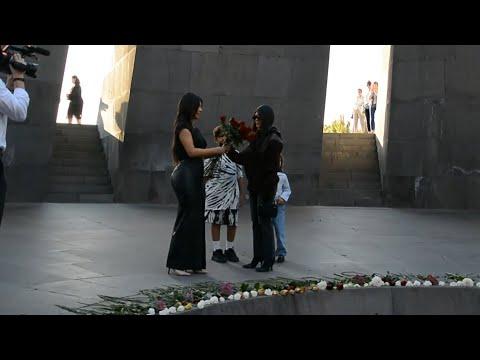 Ким Кардашьян почтила память жертв геноцида армян в Ереване