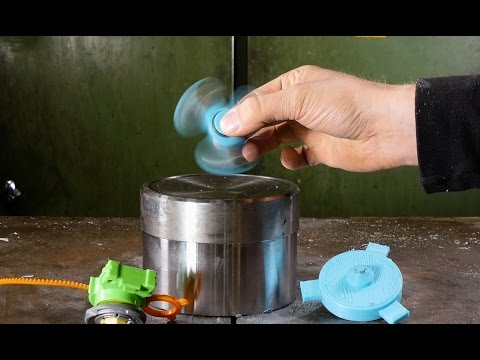 Crushing Fidget Spinner with hydraulic press
