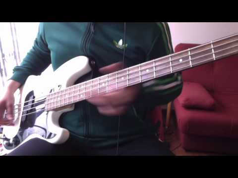 The Smiths 1984 - 04 Pretty Girls Make Graves (BASS COVER)