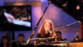 "Regina Spektor Performs ""On the Radio"""