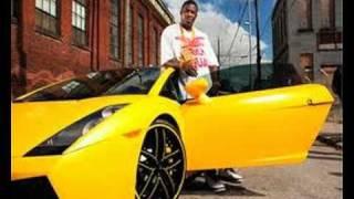 Gucci Mane -Weirdo [Prod. By Drumma Boy]