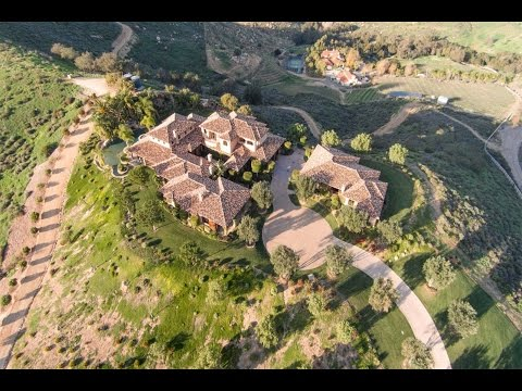 The Pinnacle of Luxury Living in Poway, California