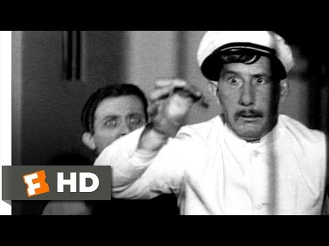 Dracula (6/10) Movie CLIP - Why Eat Flies When You Can Have Spiders? (1931) HD