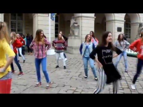Видео: Флешмоб до дня Щастя МЕГА КРУТО