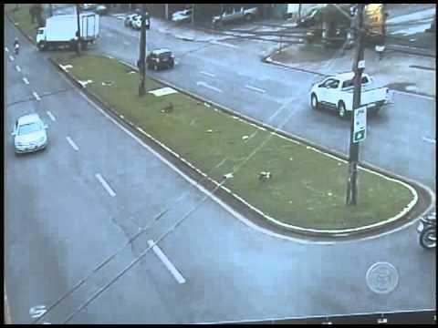 Primeira Hora   Conversão imprudente causa acidente fatal na Av  Arthur Thomas