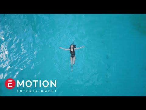 Agatha Suci - Siapa Dia (Official Music Video)