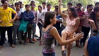 Delhi girls dance part 2, lake 3 peg baliye in road