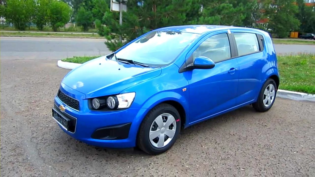 2012 chevrolet aveo hatchback start up engine and in depth tour youtube. Black Bedroom Furniture Sets. Home Design Ideas