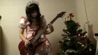 http://ameblo.jp/meidofairy/ ギター歴数ヶ月の超ド初心者です このレベルでうpは無謀ですが、ギターを始めた記念に撮ってみました 1作目の「メ...