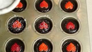 Bright Red Strawberry Heart Cake 真っ赤なハートの生いちごケーキ