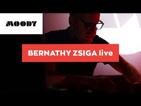 Bernathy Zsiga live @ Moody (Radost Klub, Bratislava) 27.10.2017