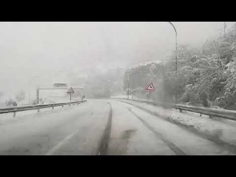 Download Impresionante nevada en la autopista de Huerna