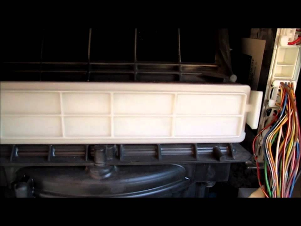Replacing The Toyota Sienna Cabin Air Pollen Filter 2004