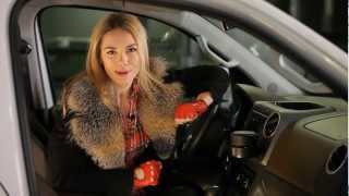 Volkswagen Amarok: Тест-драйв в программе Москва рулит.(Анастасия Трегубова тестирует автомобиль с аргентинскими корнями - Фольксваген «Амарок». Пикап., 2012-12-22T23:32:50.000Z)