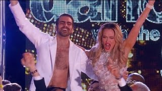 Nyle DiMarco Becomes First Deaf Contestant to Win 'Dancing with the Stars'