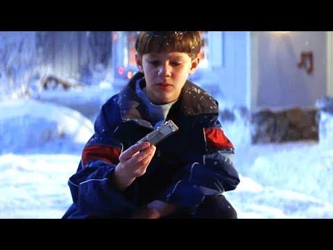 【穷电影】小男孩得到一个古老口琴,却不知吹响后,就会发生神奇的事