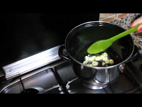 Quick and Cheap Recipes: Steamed Clams
