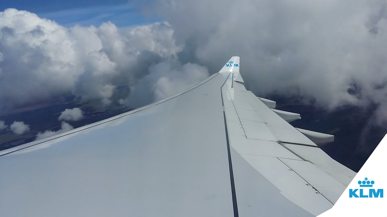 KLM A330 Turbulent takeoff during bad weather (wingflex) | Schiphol