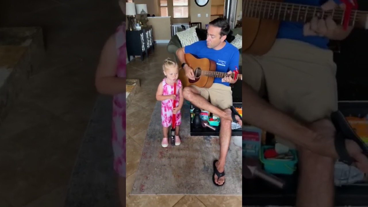 2-year-old sings with dad  (Ed Sheeran  Best Part of Me)