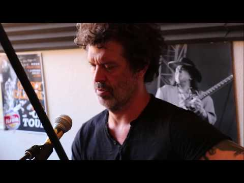 Live in Studio - Doyle Bramhall II
