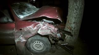 """Gambar cover 0512: В Николаеве """"Ланов"""" врезался в дерево, водитель погиб"""