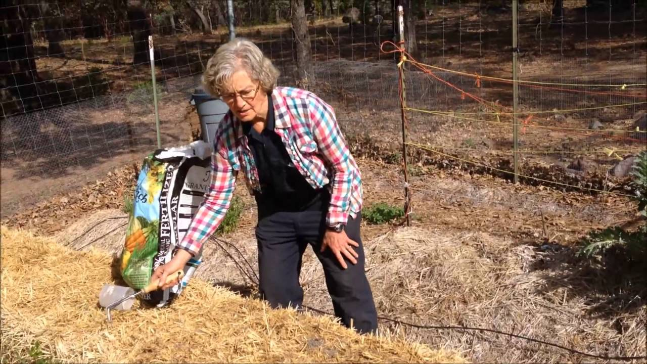 Conditioning Straw Bales to Grow Crops - YouTube